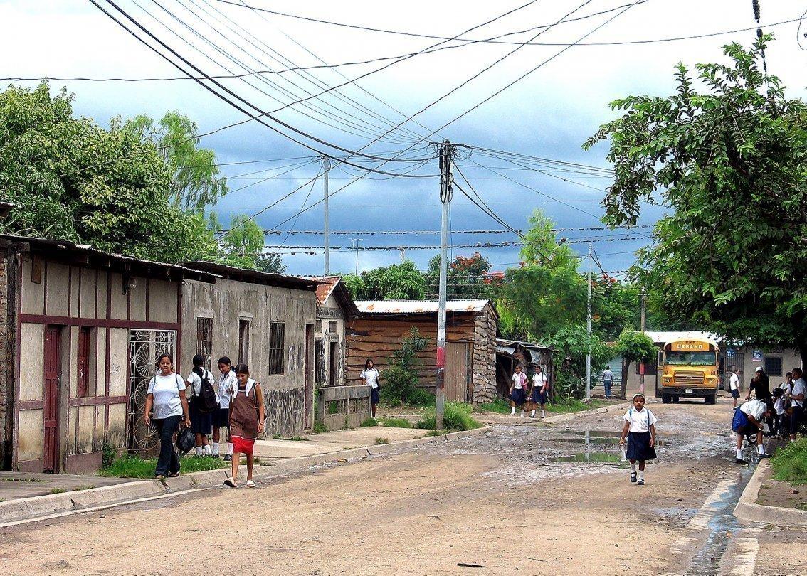 Die Straße eines Dorfes in Nicaragua