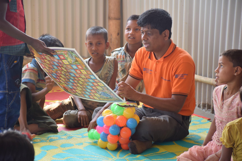 In den Nothilfezentren von SOS-Kinderdorf bekommen die Kinder psychosoziale Unterstützung, regelmässige Mahlzeiten und können ihre Erlebnisse verarbeiten.