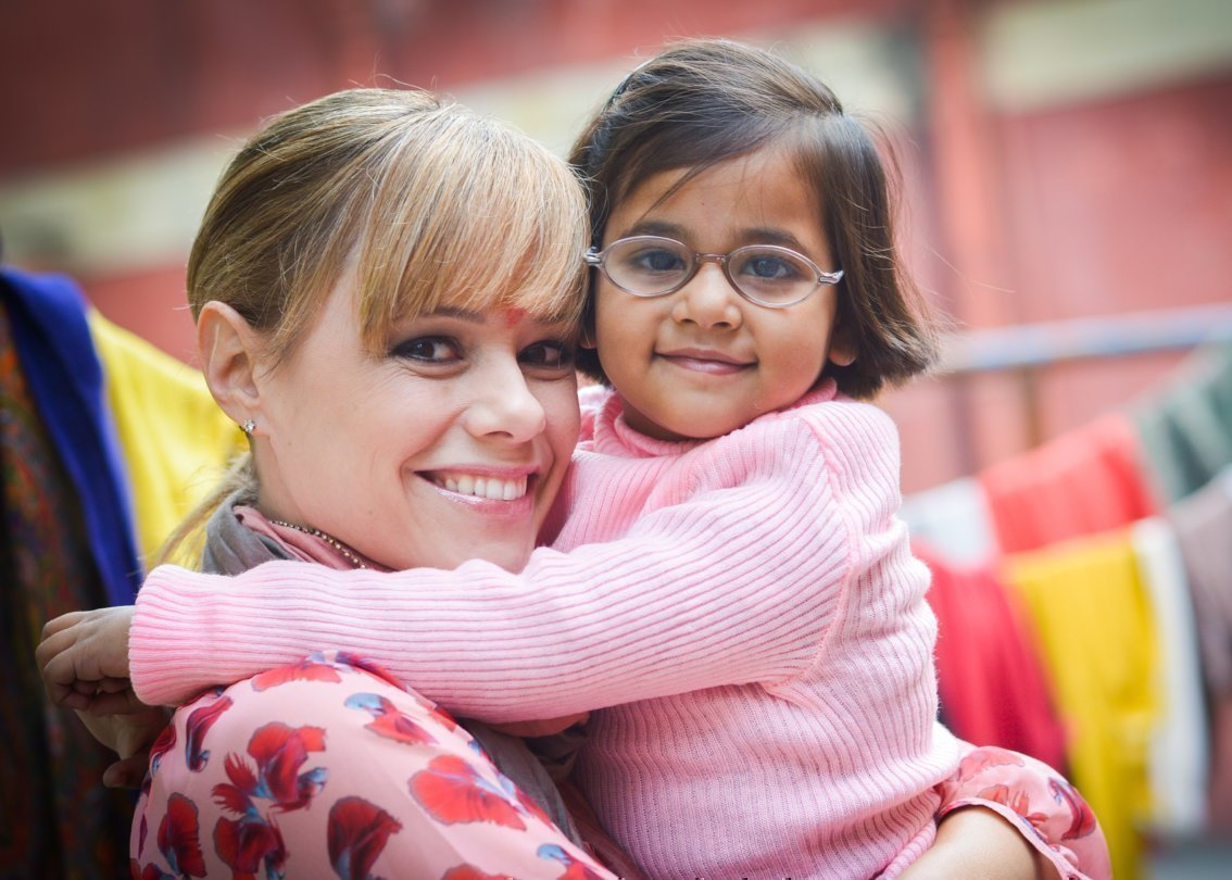 Francine Jordi besucht SOS Kinderdorf 2014