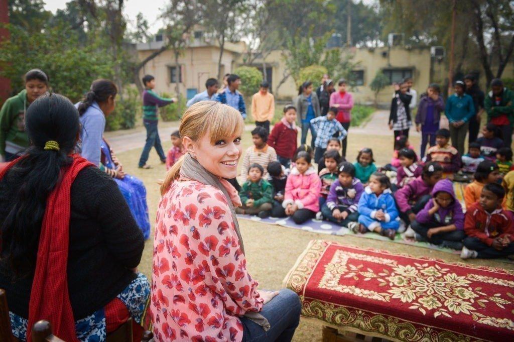Francine Jordi besucht SOS-Kinderdorf 2014
