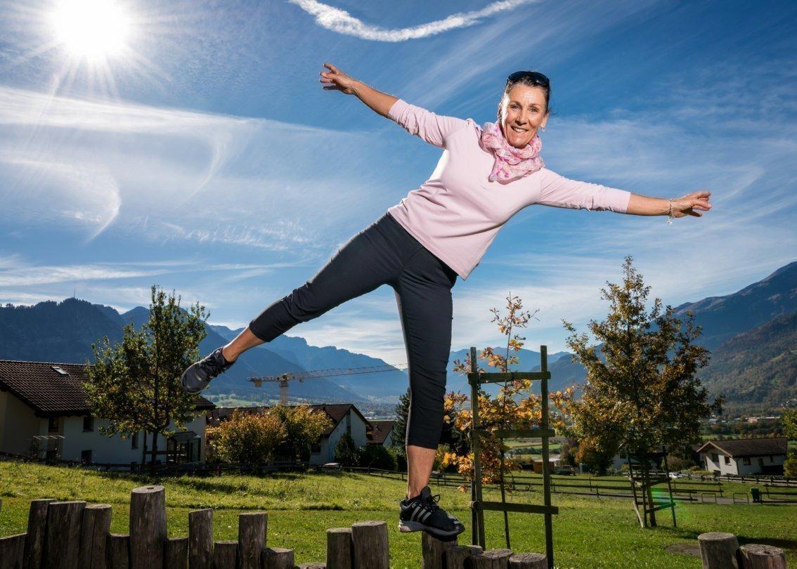 Maria Walliser Anesini, ehemalige Skirennfahrerin und SOS-Kinderdorf Botschafterin an ihrem Wohnort Malans GR. Bild © Remo Naegeli