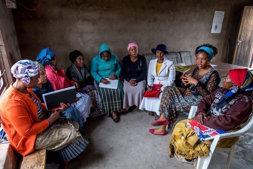 SOS-Kinderdorf unterstützt die Frauen im Nachbarschaftsprojekt mit Know-how, stellt Räum-lichkeiten zur Verfügung und fördert Aktivitäten zum Wohle der Gemeinschaft.