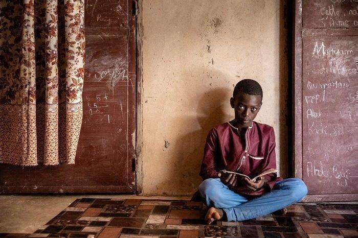 Wegen der Arbeit konnte Oumarou nicht zur Schule.