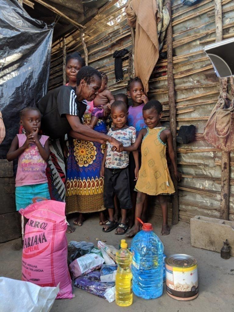 Familien in Mosambik werden durch die Notfallmassnahmen von SOS-Kinderdorf versorgt.