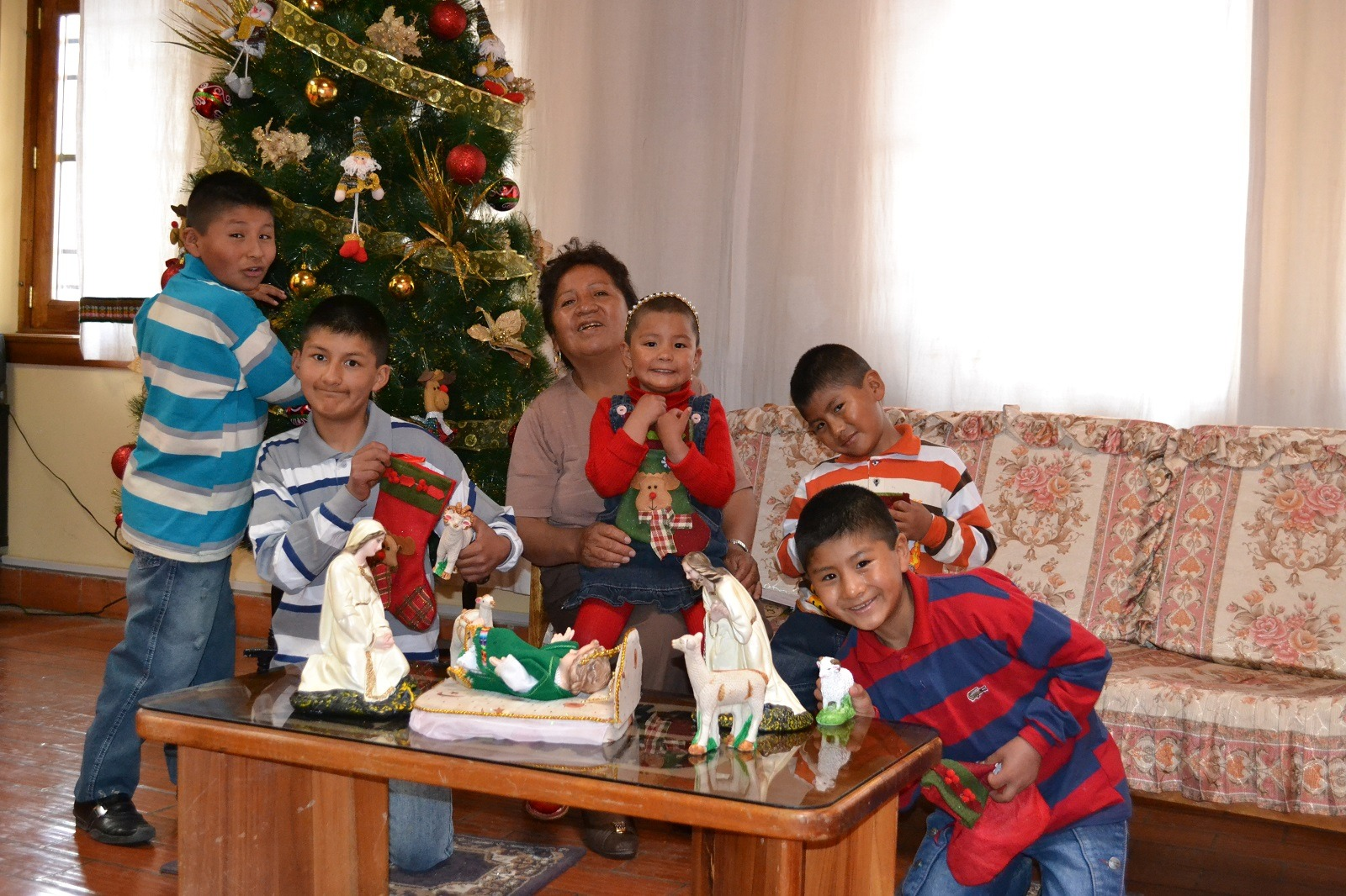 A Natale, l'atmosfera del SOS Villaggio dei bambini Potosí in Bolivia cambia magicamente.