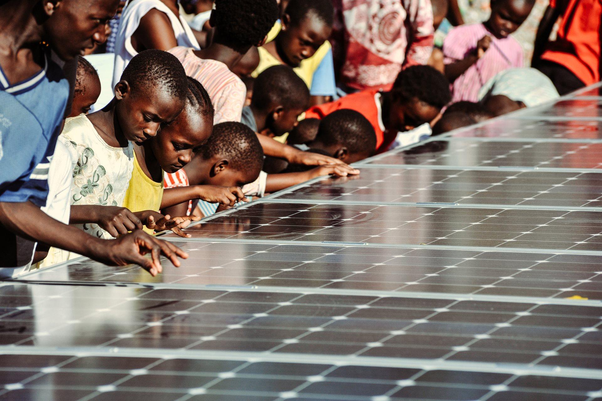 Umweltfreundlich, zuverlässig und langfristig rentabel: Fotovoltaikanlage im SOS-Kinderdorf Mombasa, Kenia.