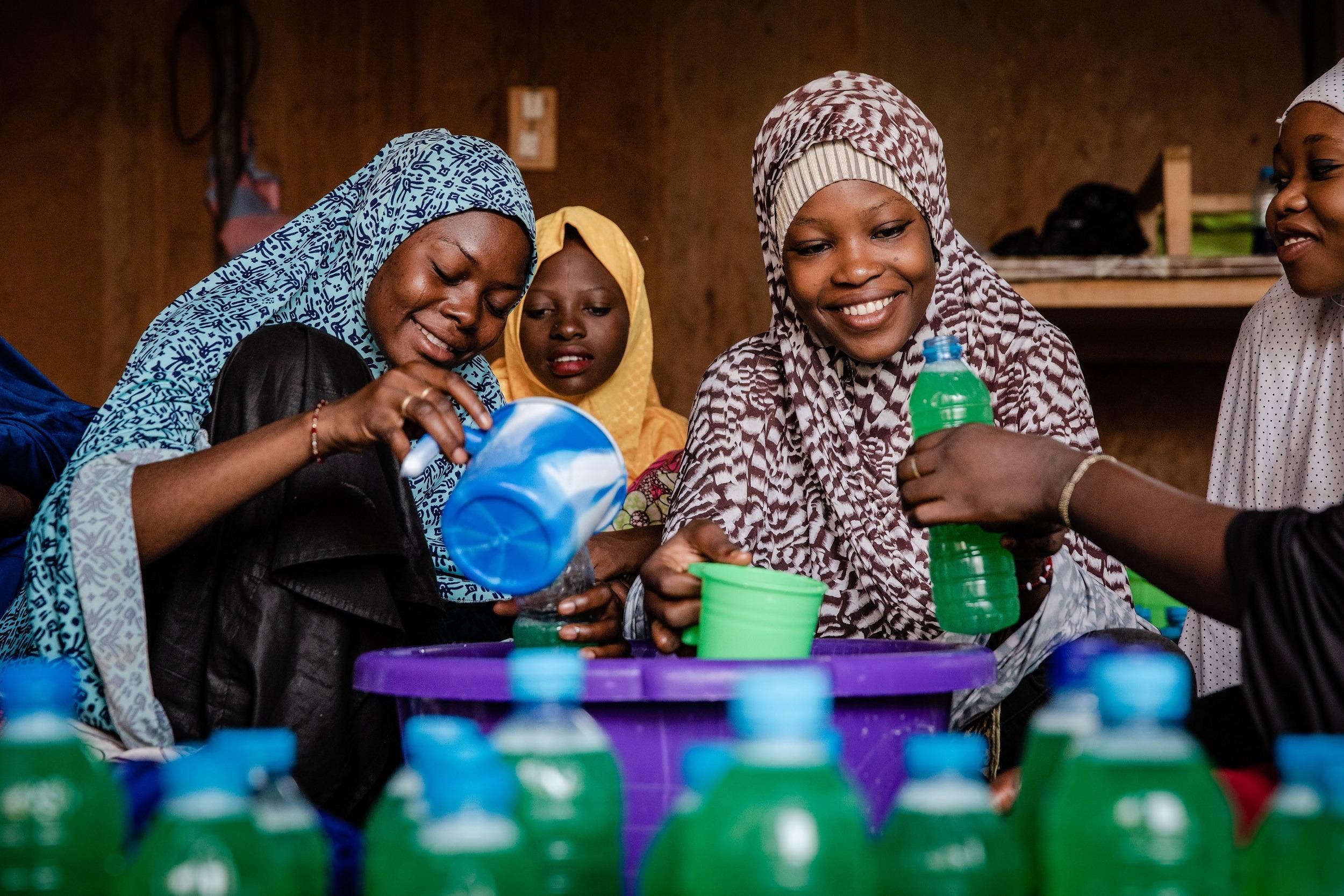 Spar- und Leihgruppen dienen zum Beispiel im Niger als Einkommensförderung.
