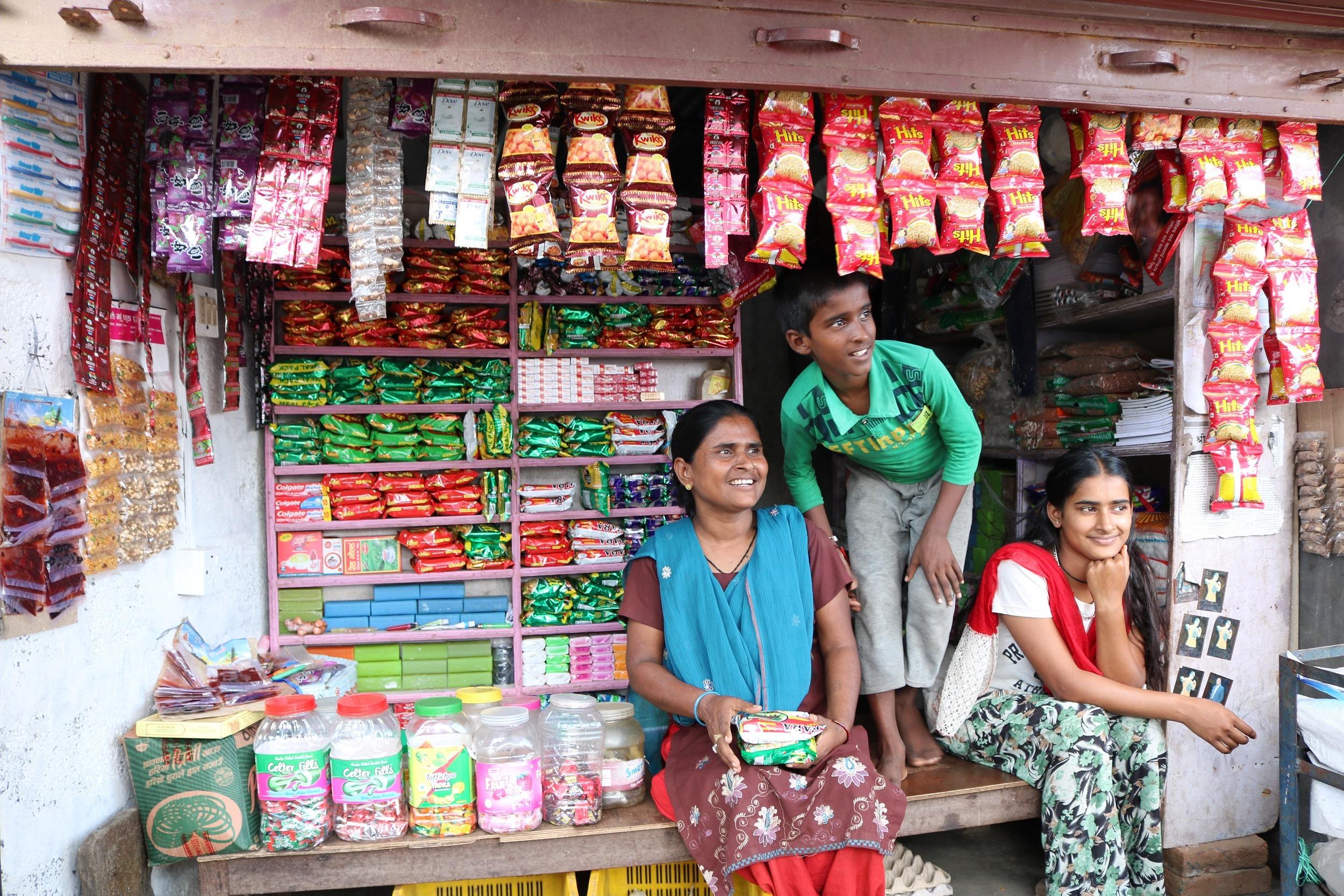 Mit einer Geschäftsgründung stehen Familien auf eigenen Beinen.