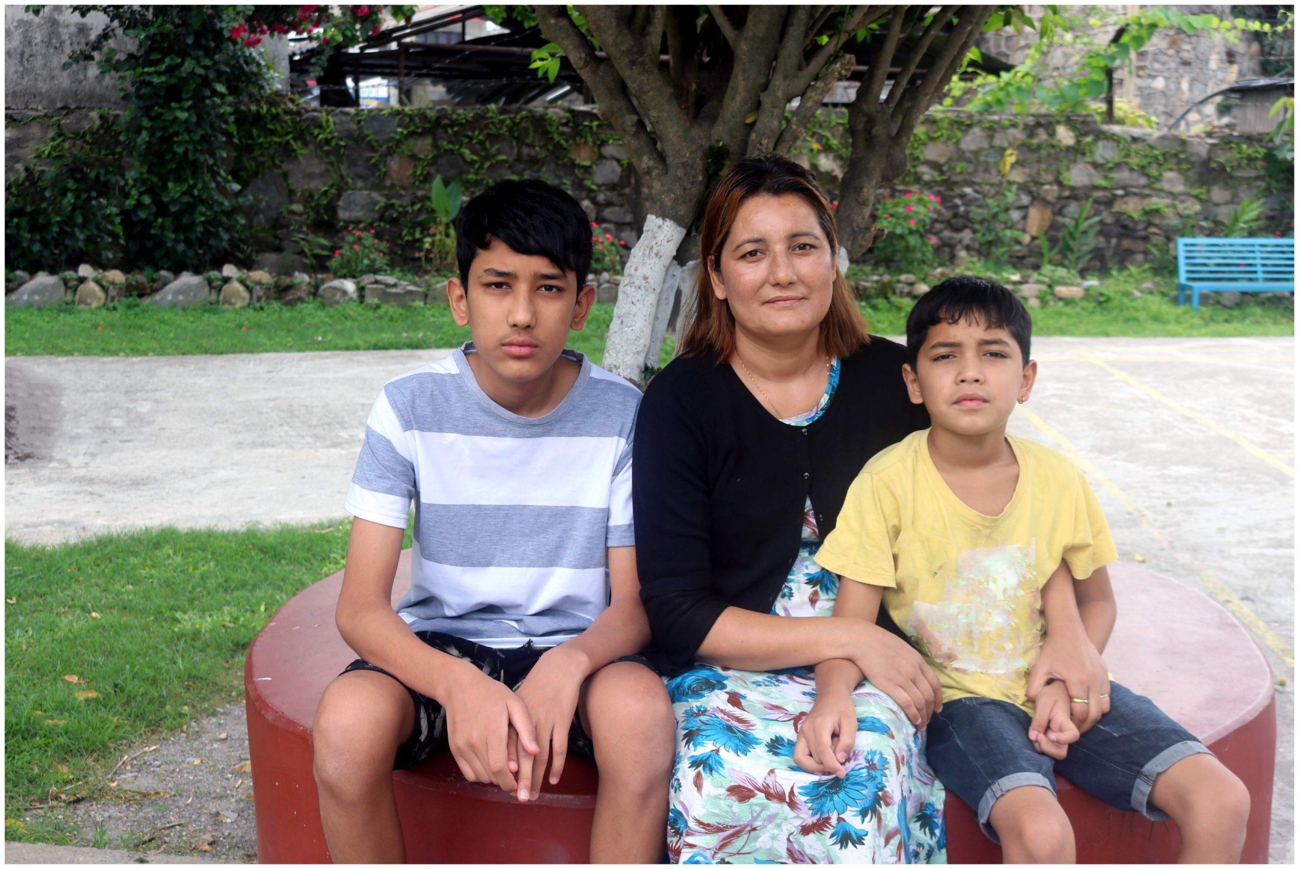 En raison de la pandémie de coronavirus au Népal, Nirmala et sa famille se retrouvent dans une situation désespérée.